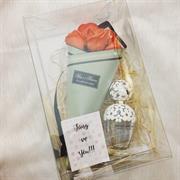 Giftbox nước hoa + hoa sáp thơm