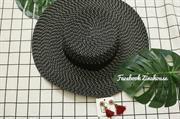 Mũ đen rộng vành