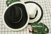 Mũ cói chữ M trắng- đen