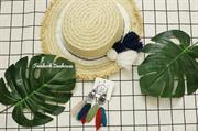 Mũ cói Pompom