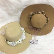 Mũ rộng vành viền hoa