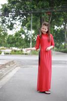 áo dài hai tà màu đỏ