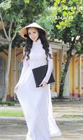 Áo dài trắng 4 tà