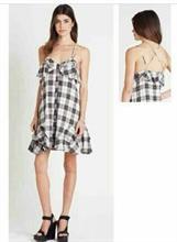 Váy kẻ BCBG