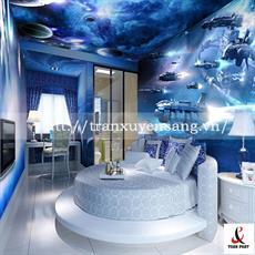 Mẫu trần và vách xuyên sáng phòng ngủ in hình vũ trụ