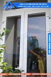 Cửa nhôm xingfa - cửa đi 2 cánh mở quay - màu trắng
