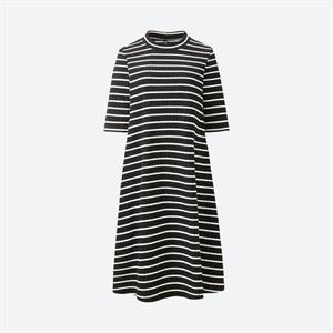 Váy kẻ nữ  Uniqlo xinh xắn WD84