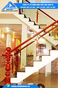 Lan can cầu thang kính cường lực - Trụ Inox 304