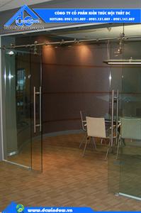 Cửa kính cường lực ở đà nẵng - cửa kính cường lực trượt ray treo