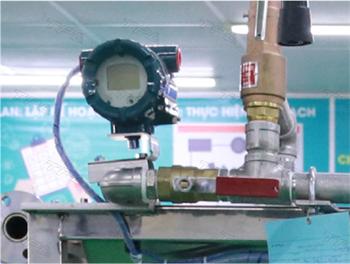 Bộ cảm biến công nghiệp/Temperature and Pressurer Transmitter