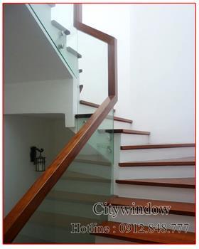 Cầu thang kính mẫu 38