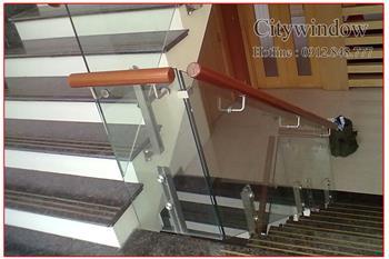 Cầu thang kính mẫu 31