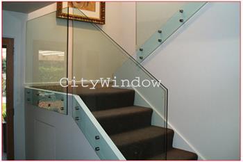 Cầu thang kính mẫu 23