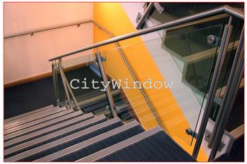 Cầu thang kính mẫu 13