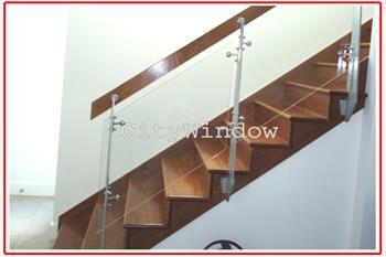 Cầu thang kính mẫu 11
