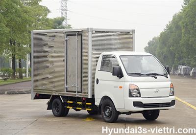 Hyundai New Porter H150 Thùng Kín Inox 1.5 Tấn