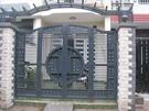 Giá cửa sắt 4 cánh - mẫu cổng sắt 4 cánh đẹp tại Hà Nội