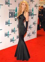 Những bộ váy sexy của Taylor Swift trên sân khấu nhận giải thưởng
