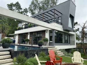 Villa Tam Đảo đẹp đẳng cấp với Sàn Gỗ Óc Chó xương cá