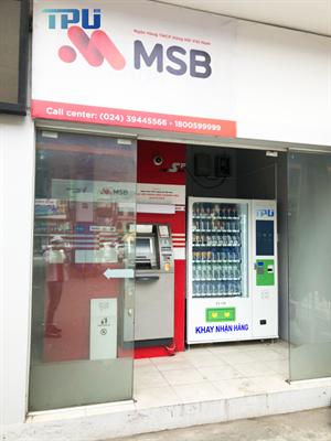 Máy bán hàng tự động Teklife Vending – G8004 tại cửa hàng xăng dầu số 30 Nguyễn Lương Bằng- Hà Nội