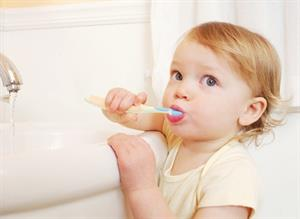 Mẹo hay giúp con không còn lười đánh răng