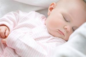 Sai lầm cực kỳ nghiêm trọng cho bé khi ngủ trong mùa đông
