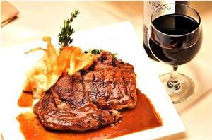 Cách chọn rượu ngon khi ăn thịt bò