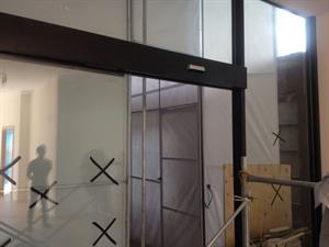 Cửa tự động tại tầng 1 tòa nhà  Keangnam Hà Nội