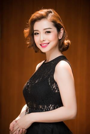 Bí kíp trẻ như gái 18 vạn người mê của bà mẹ hai con Jennifer Phạm