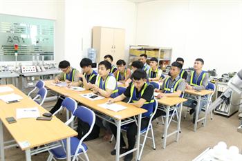 Trải nghiệm thực tập tại TPA của HSSV khoa Điện trường Cao đẳng công nghệ Hà Tĩnh