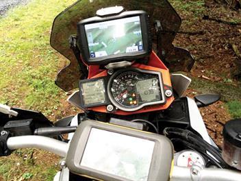 Du lịch mạo hiểm, không thể thiếu GPS cầm tay