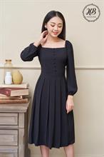 Váy cổ vuông chân xếp ly màu đen