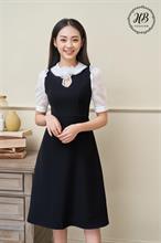 Váy đen cổ trắng