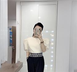 Áo croptop tay bồng màu trắng