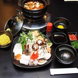 Lẩu Bò Mỹ/Lẩu Kim Chi Và Hải Sản