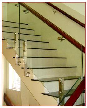 Cầu thang kính mẫu 09