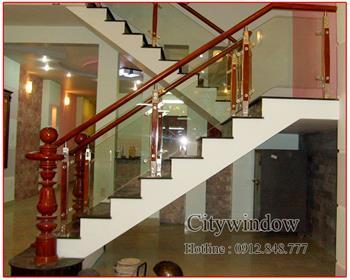 Cầu thang kính mẫu 08