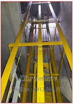 Khung sắt thang máy
