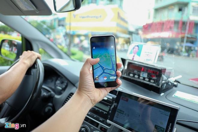 Xe ôm, taxi đắt khách nhờ Pokemon Go ở Việt Nam