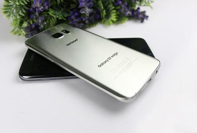 Galaxy Note 7 ra mắt, S7 edge bản Mỹ rầm rộ về VN